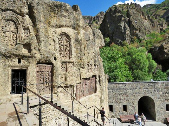 Гегард. Пещера Святого Копья(46фото)